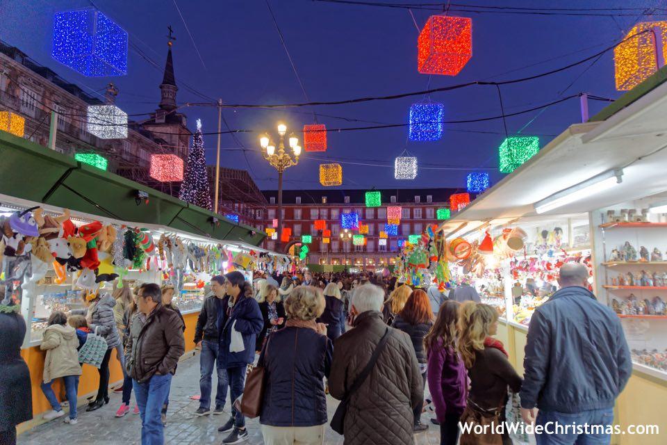 christmas-market-madrid-spain-plaza-mayor
